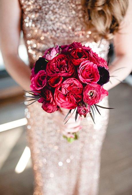 VUzJ2JiMT0k - Красные свадебные букеты (25 фото)