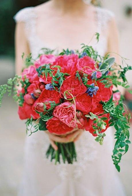 otUFjEBWvOs - Красные свадебные букеты (25 фото)