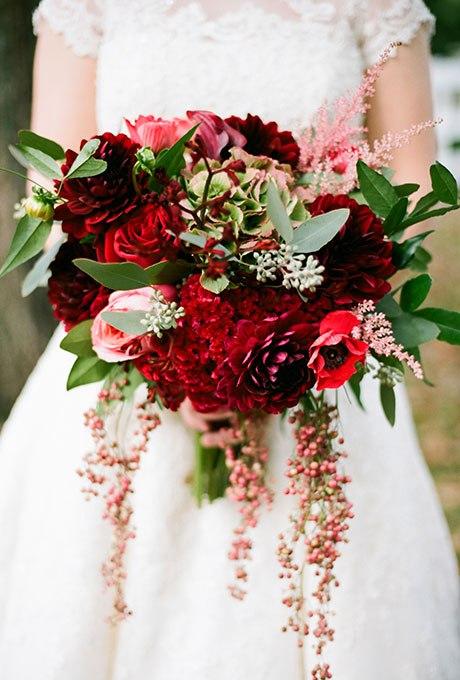 crZJtcW4lQk - Красные свадебные букеты (25 фото)