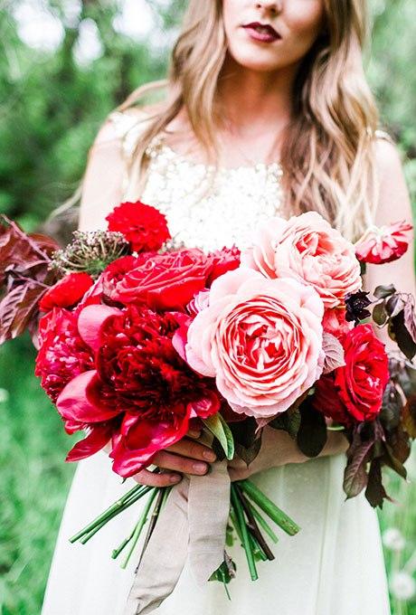 UQ oNZ9v77I - Красные свадебные букеты (25 фото)