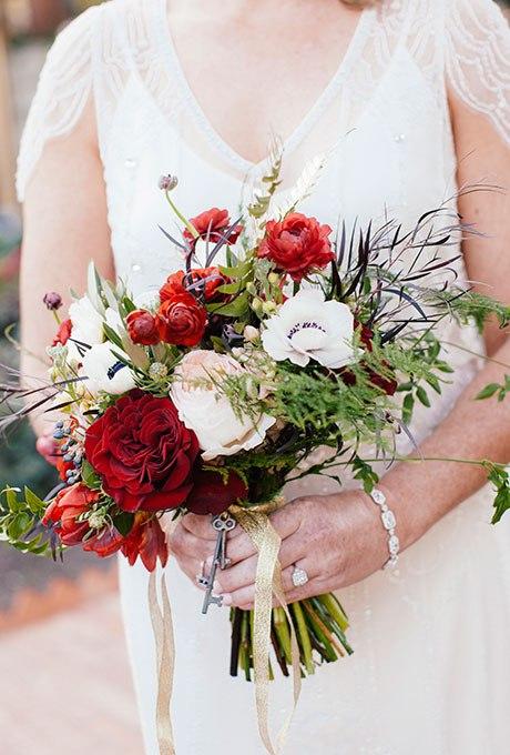 CUVelHGjqbY - Красные свадебные букеты (25 фото)