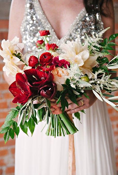 Jah8d5v qoQ - Красные свадебные букеты (25 фото)