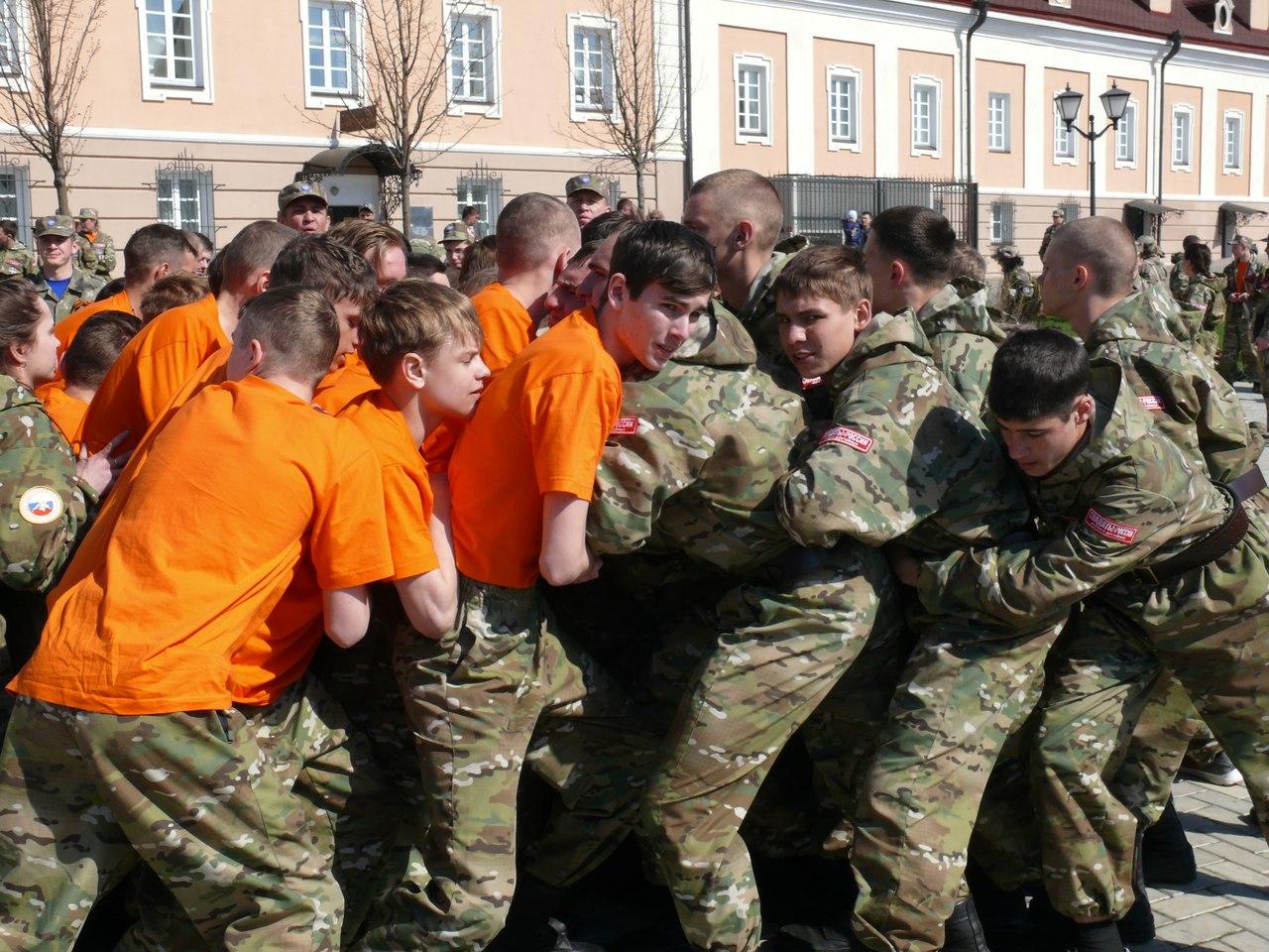 Таганрогские кадеты приняли участие в сборе «СОЮЗ-2016 — Наследники Победы» в Казани