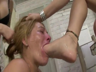 nogi-v-rot-porno