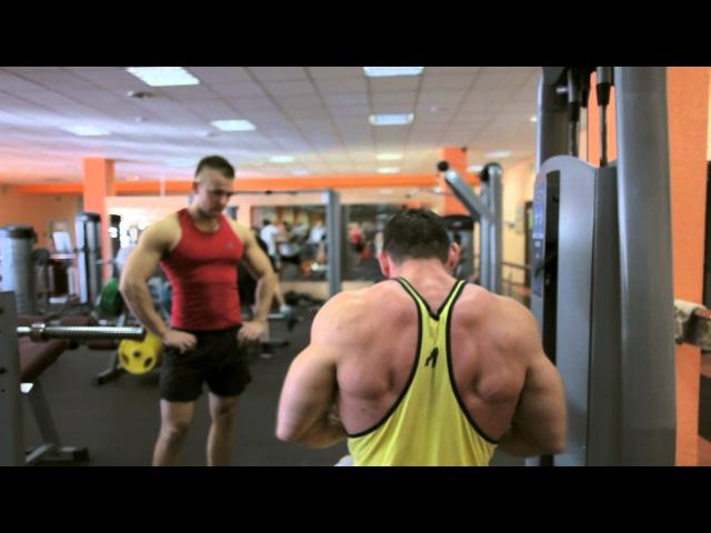 Предсоревновательная тренировка, спина и бицепс. Александр Мандажи для BodyMania