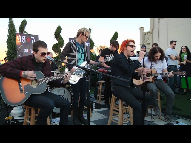 My Chemical Romance - Im Not Okay (I Promise) (Live Acoustic at 98.7FM Penthouse)