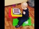 Даниэль к 10 и месяцам разобрался с игрой на планшете )))