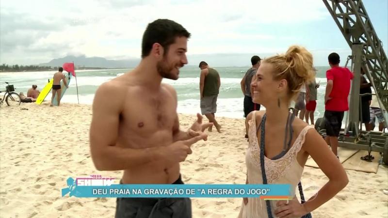 Carolina Dieckmann e Marco Pigossi gravam na praia