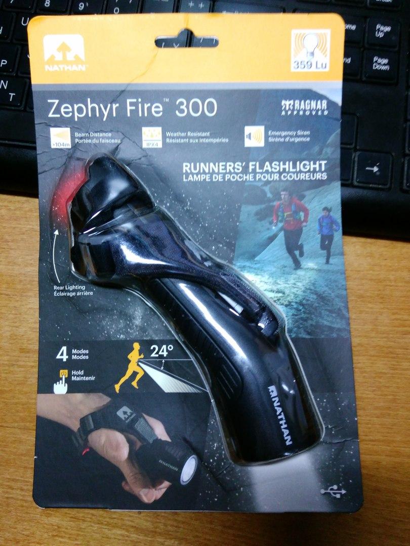 Другие - Китай: Беговой (прогулочный) фонарь Zephyr Fire 300
