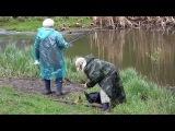 Приколы на рыбалке  БАБУШКИ РЫБАЧКИ поймают рыбу даже в ручье.Fishing 2015
