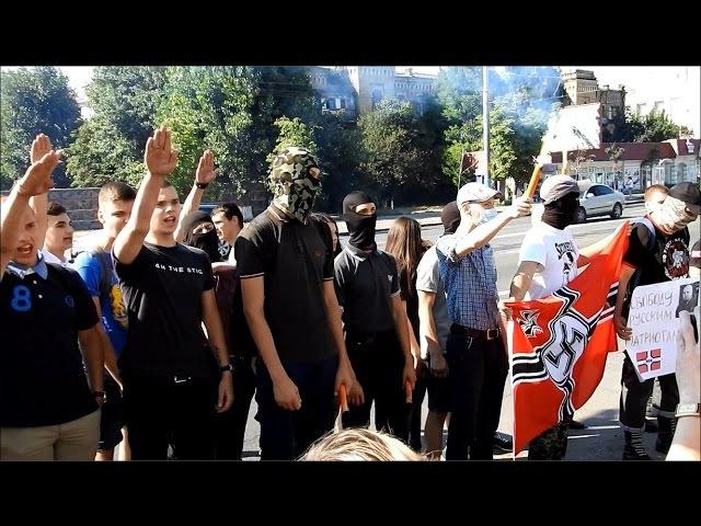 Новая полиция разрешила нанятым Россией фашистам зиговать и славить Гитлера в Киеве. Посольство РФ