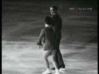 Танцы на льду. Пахомова и Горшков Вдоль по Питерской (поёт