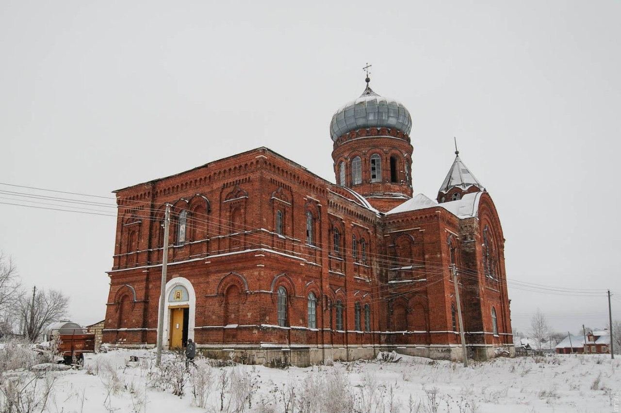 Власьевская церковь в селе Шляпники