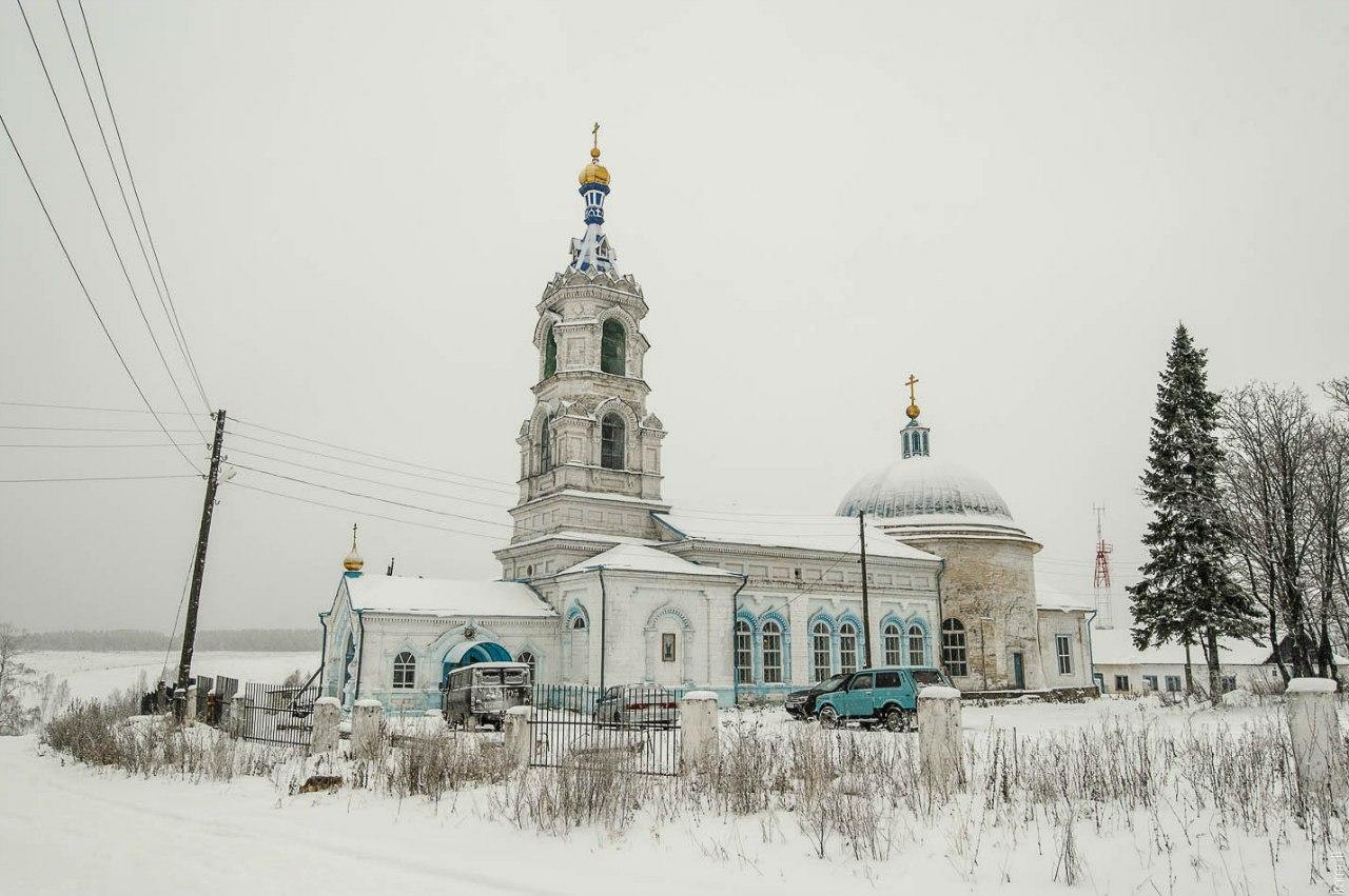 Введенская церковь в селе Мостовая