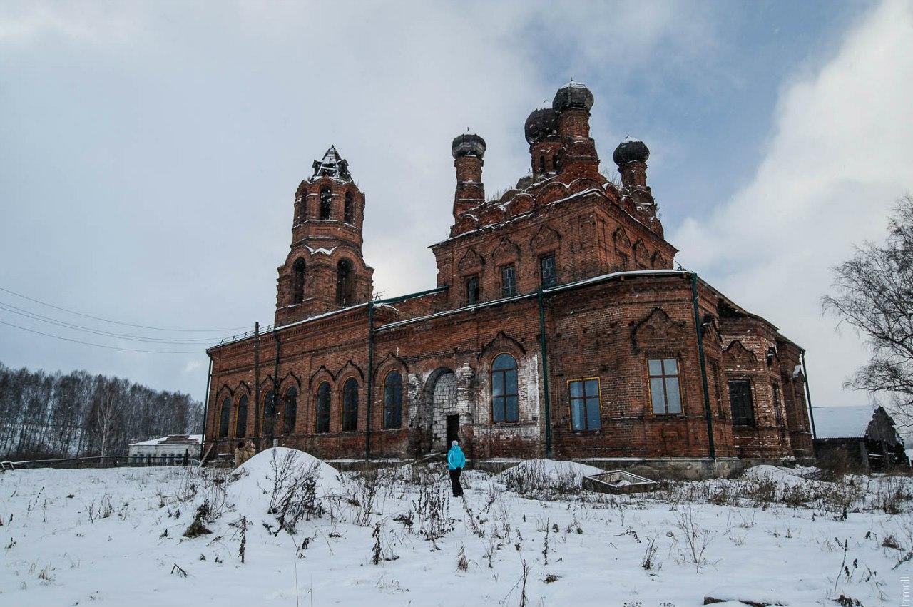 Воскресенская церковь в селе Воскресенское (Смурыги) Уинского района
