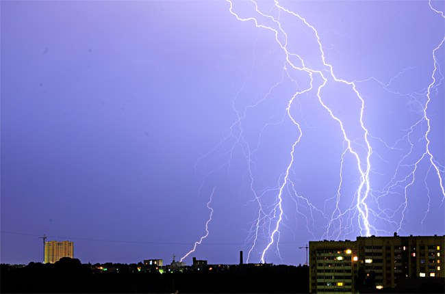 МЧС объявило штормовое предупреждение в Ростовской области до 29 июля
