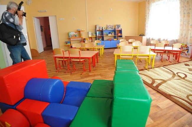 Около 27 миллионов рублей выделено на оснащение новых мест в детских садах Ростовской области