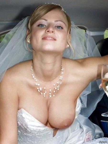 У невесты выпала грудь