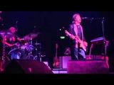 Paul McCartney &amp Wings - Let Me Roll It (Live)