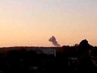 Донецк! Столб дыма! после взрыва 05 08 2015