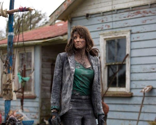Люси Лоулесс  на новом кадре сериала «Эш против Зловещих мертвецов»: