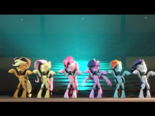 Ponies Awkwardly Doing the Caramelldansen
