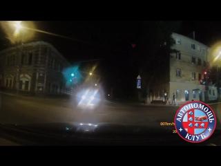 Встречка на дороге с односторонним движением на Дзержинского