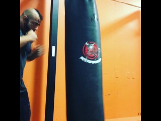 """Fouad 'Hoss' Abiad on Instagram: """"I'm def no professional but I like relieving some stress by hitting the bag sometimes. It's also a good way to change things up from a…"""""""