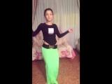 Красивая Узбечка танцует - Арабский танец