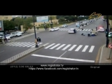 Не справился с управлением, ударил полицейскую машину и сбил 6 человек. Баку.
