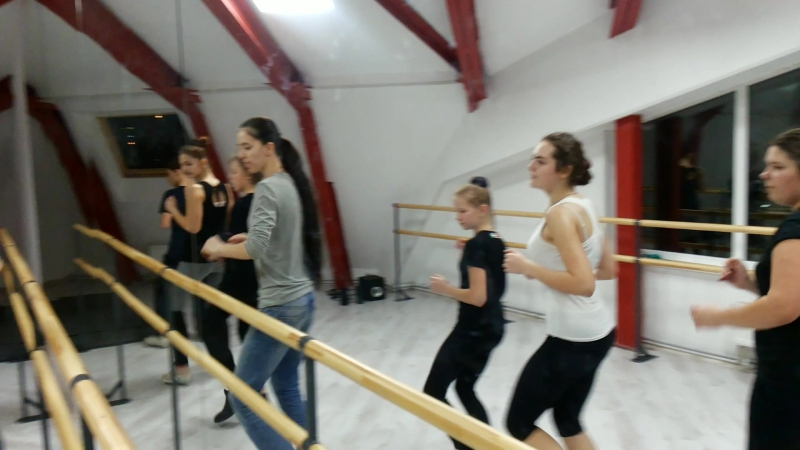 Концертная студия GALA STAR Мастер класс по СТЕПУ от  Яны Прыжанковой!!