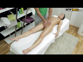 Массажист умело обработал милую девку порно выебал клиентку массаж massage wtfpass brazzers kink ddf ferro network 21sextury sex