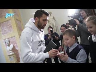 «Здесь одни вратари собрались» Юрий Лодыгин и дети в Эрмитаже