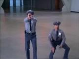 Остин Пауэрс сцена из фильма. Каток.