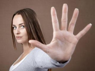 Жесты пальцами, как они помогают привлечь удачу и защититься от врагов.