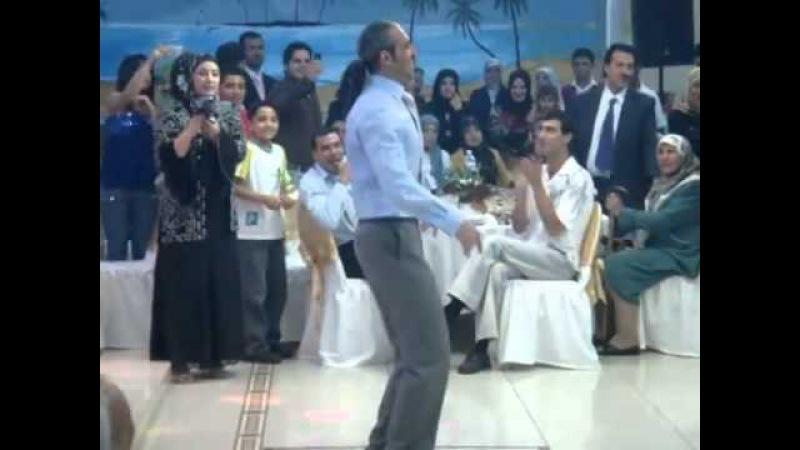 А вы видели как мужчины восточный танец танцуют?