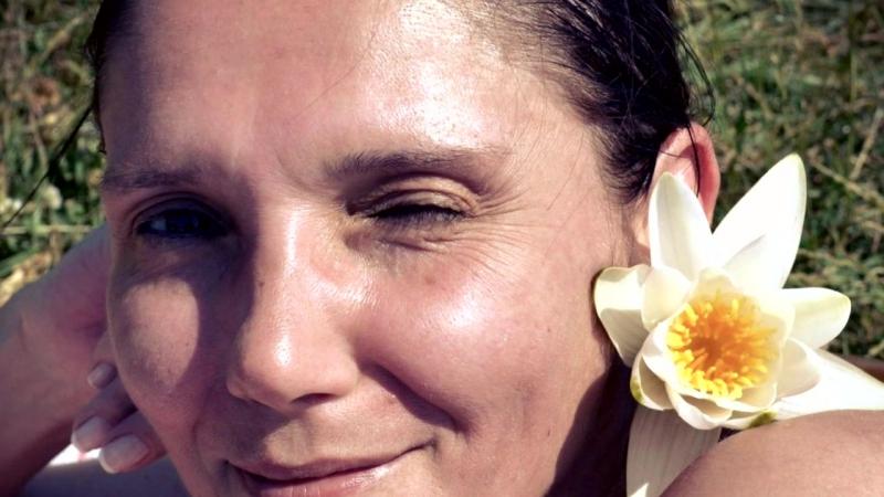 «ВСЕ ЖЕНЩИНЫ ПОХОЖИ НА ЦВЕТЫ!» под музыку Гуля Невская,сл.О.Виор,муз.А.Гюль - (ремикс)Все женщины похожи на Цветы. Picrolla