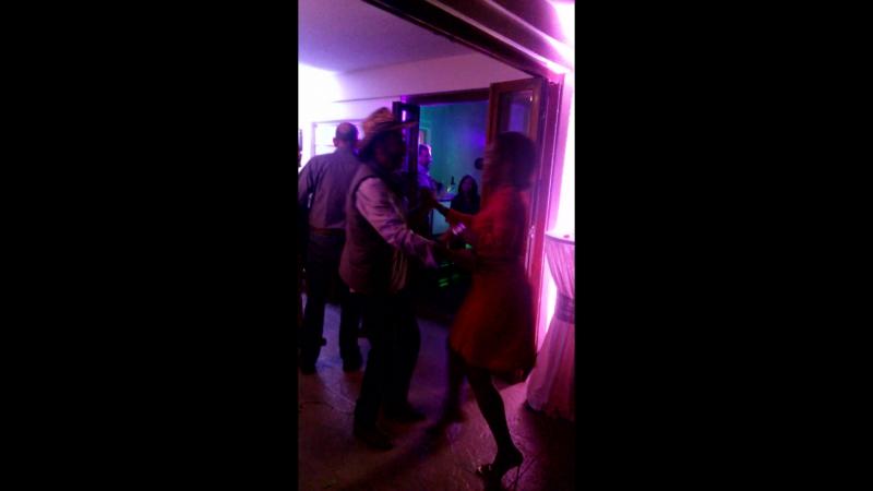 Как же классно они танцуют Вот это настоящая сальса Живая Новый год Фиеста