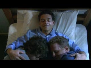 Кенни — 2 кровати (Рами Малек в сериале «Война в доме» / «The War at Home»)