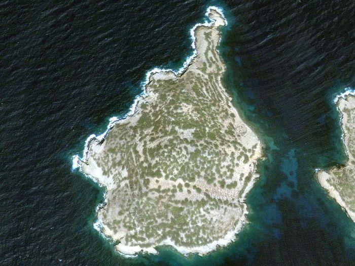 Джонни Депп  купил необитаемый остров в Эгейском море