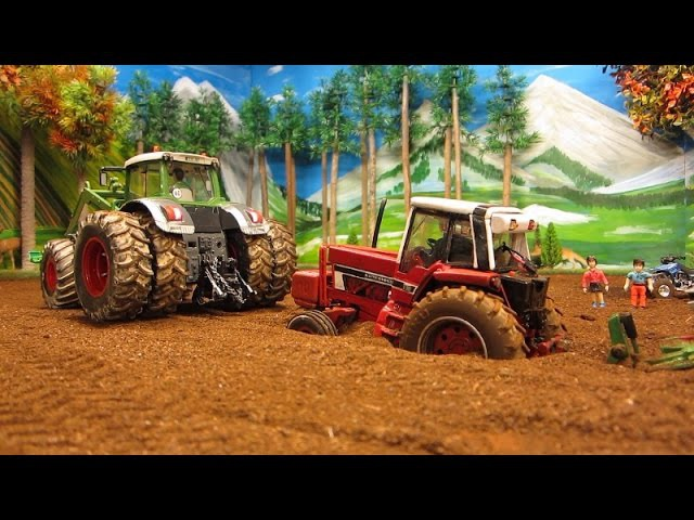 RC TRACTOR DESTROYED A PIPELINE - Rc toy action