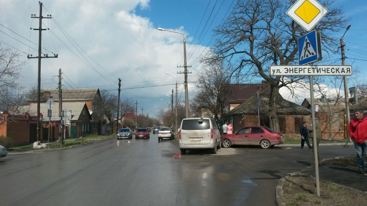 На выходных в Таганроге произошло тройное ДТП