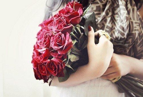 Женщина слабее всего, когда любит, и сильнее всего, когда любима.