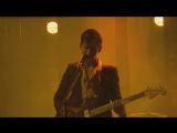 Arctic Monkeys - Old Yellow Bricks (Live)