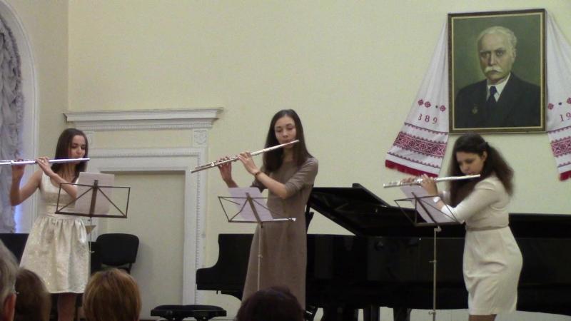 Девченки духового отдела трио флейтисток 22 12 2015
