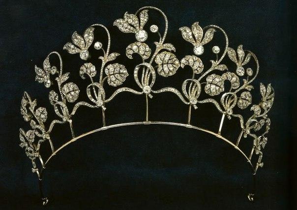 Cyclamen Tiara. Fabergé, 1903.