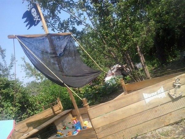 Детская песочница (1 фото) - картинка