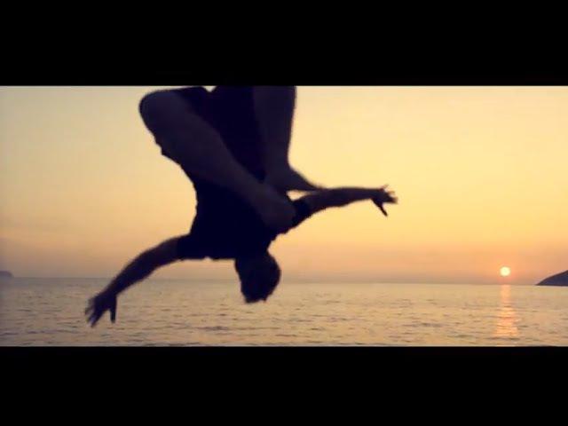 Egal - [dunkelbunt] Alix (official video)