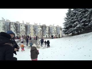 Пинск. Снежные горки на площади Ленина в Пинске.