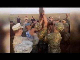 хохол против американца американец боец ВСУ против морпеха США АТО украина